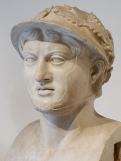 Pyrrhus bust